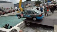 Autotec - skok do vody