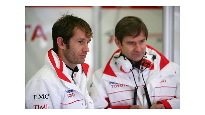 Vasselon v dobách svého působení v F1 u týmu Toyota - zde s Jarnem Trullim