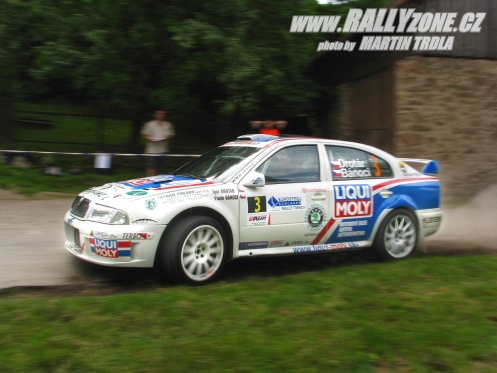 http://rallyzone.cz/pictures/photo/2008/06/14/121343775033075.jpg