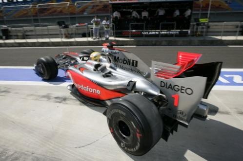 Lewis Hamilton v MP4-24