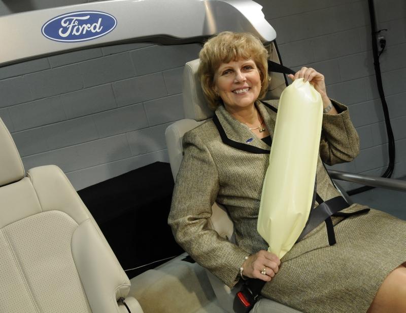 Bezpečnostní pás s airbagem