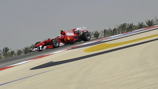 Nejrychlejší kola - Alonso s drtivou převahou! - anotačné foto