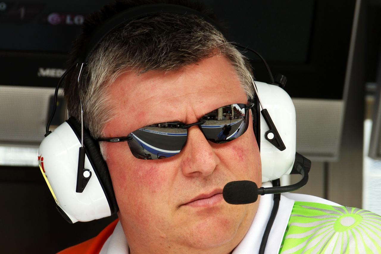Otmar Szafnauer by si uměl představit v F1 finanční informátory