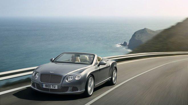Bentley musí upravit svůj vrcholný dvanáctiválec - anotačné foto