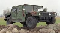 Armádní HMMWV se opět dočká civilní varianty.