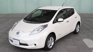 Nová baterie pro první generaci elektrovozu Nissan Leaf? Připravte si 600 000 Kč - anotační obrázek