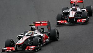 Button vzpomíná: Alonso byl lišák, jak porazil Hamiltona? - anotační obrázek
