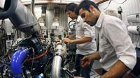 V továrně na výrobu F1 motorů