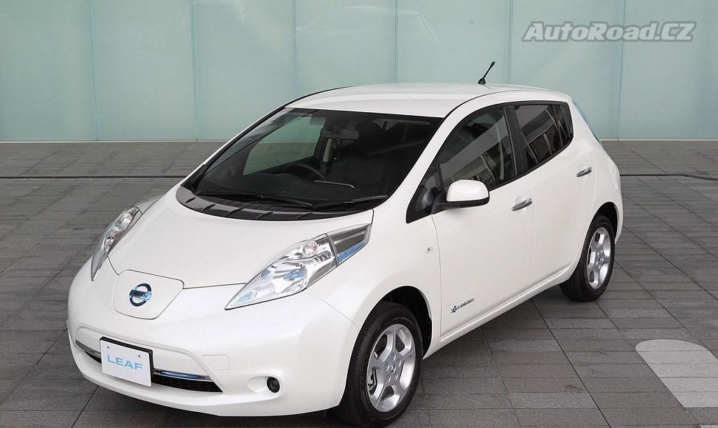 Nissan slibuje delší dojezd nového Leafu. Obstojí proti Modelu 3? - anotační foto