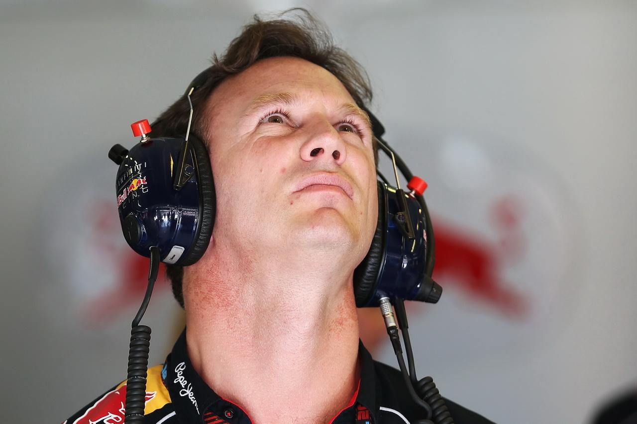 Red Bull chce využít boje Mercedesů o titul ve svůj prospěch - anotační obrázek