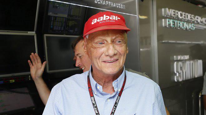 Niki Lauda v době výročí své osudové nehody neprožívá dobré časy