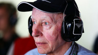 Bývalý mistr světa John Surtees zemřel ve věku 83 let