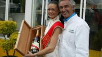 Luxusní zboží, krásné ženy, to je svět bývalého šéfa týmů F1 Flavia Briatoreho