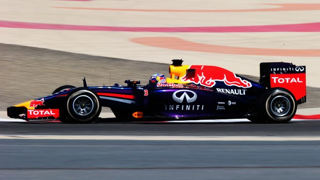 Red Bull při testech v Bahrajnu