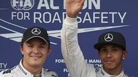 Lewis Hamilton statisticky není bez šancí, ale pravděpodobnost hraje proti němu...