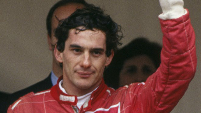 Hamilton při závodě vzpomínal na Sennův incident