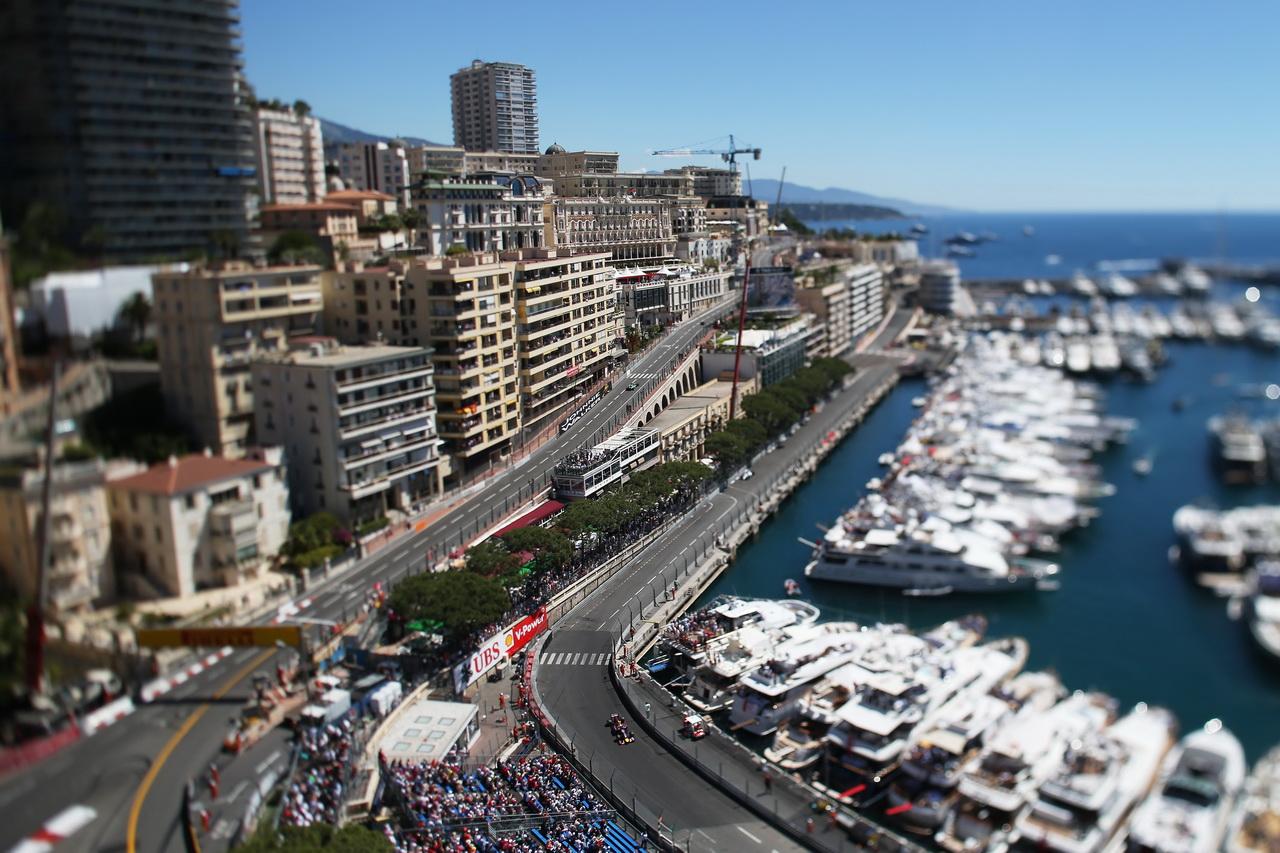 Představení Monaku: Vyšlápne si Red Bull v úzkých ulicích na Mercedes? - anotační foto