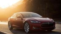 Majitel Tesly Model S prožil horké chvíle. Mohl za to mobilní signál - anotační obrázek