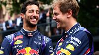 Loni kolegové v jednom týmu, letos soupeři. Riccardo Vettelovy pohnutky chápe.