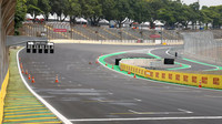 GRAFIKA: Startovní rošt v Brazílii - Verstappen v 1. řadě před Vettelem, Leclerc putuje dozadu - anotační obrázek