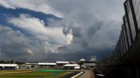 Předpověď počasí pro Interlagos: Hrozí déšť - anotační obrázek