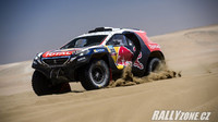 Tovární tým Peugeotu na Dakar 2016 vyrazí s posilou v podobě Seba Loeba. Další auto od Peugeotu bude nasazeno přes soukromý tým pro Domaina Dumase...