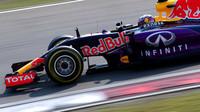 Renault v názvu týmu zcela chyběl, na voze se mu dostávalo málo prostoru