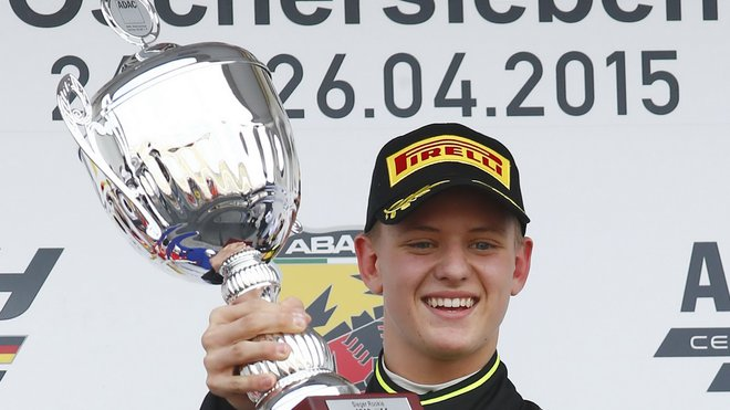Mick Schumacher udělal další krok směrem k F1