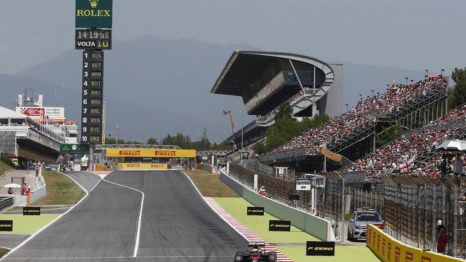 Circuit de Catalunya se opět stává dostaveníčkem F1 při předsezónních testech
