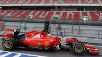 Esteban Gutiérrez při testech s Ferrari v Barceloně
