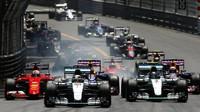 GRAFIKA: Startovní rošt v Monaku po penalizaci Räikkönena - anotační obrázek