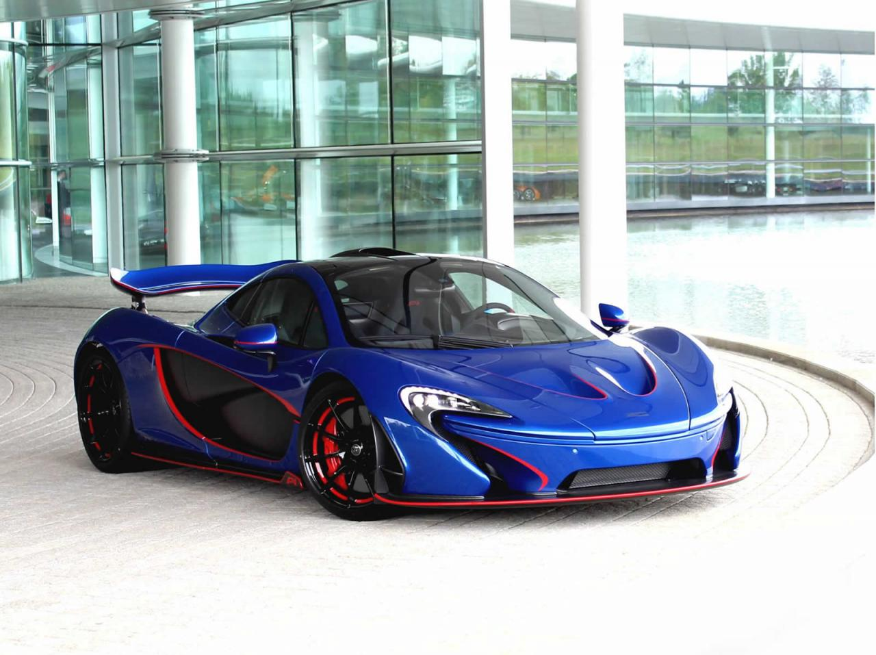 Víc než polovinu produkce McLarenu v roce 2022 budou tvořit hybridy - anotační foto