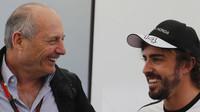 Dennis: Alonso by si mohl dát v roce 2016 pauzu. Co na to jezdec? - anotační foto