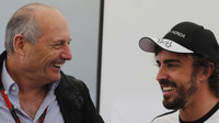 Dennis a Alonso