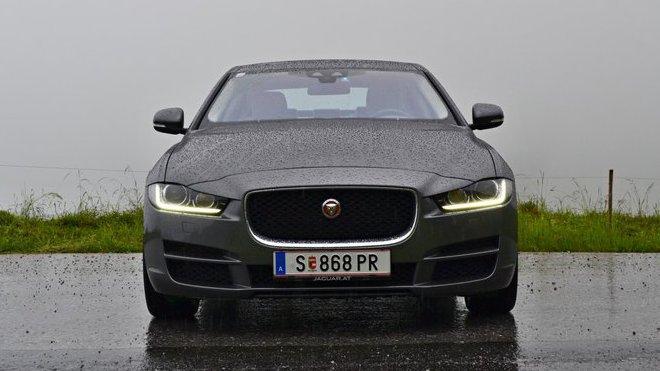 Jaguar uvede nové modelové řady, vyloučeno není ani auto menší než XE.