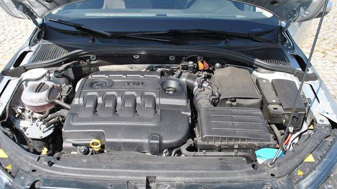 Poškodí se nenávratně motor při záměně nafty za benzín?