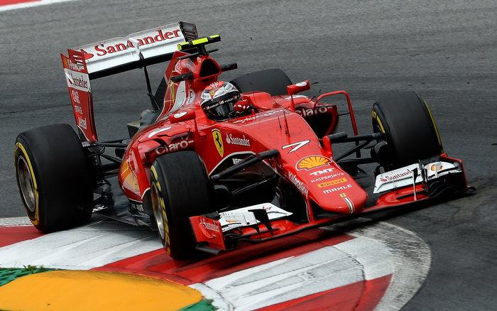 Kimi Räikkönen - zůstane u Ferrari i příští rok?