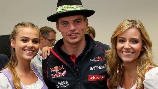 Než večeře s děvčaty, to raději s Berniem, tvrdí Max Verstappen.