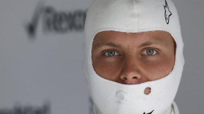 Zatím lehce zahaleno, tak by se dala nazvat situace Bottas-Ferrari