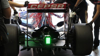 Wittmann a flow-vis na podlaze vozu Toro Rosso STR10 Ferrari