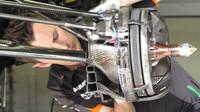 Detail zavěšení kola vozu Force India VJM08 Mercedes