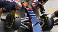Přední zavěšení vozu Toro Rosso STR10 Ferrari
