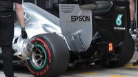 Zadní křídlo a difuzor vozu Mercedes F1 W06 Hybrid