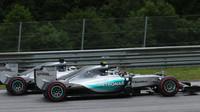 Nejrychlejší kola zajely Mercedesy, Massa v těsném závěsu, před Räikkönenem - anotační foto