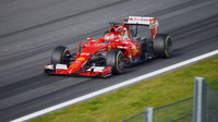 Ferrari otestovalo i prototyp Pirelli využívající nové materiály. Na snímku Antonio Fuocco