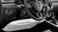 Popis Součástí sériové výbavy pro země EU je také vypínatelný airbag spolujezdce pro případ umístění dětské sedačky vpředu, kolenní airbag řidiče a hlavové airbagy kryjící oblast předních a zadních bočních oken.