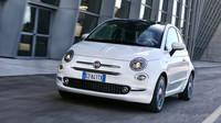 Fiat 500 po faceliftu je jen drobně odlišný od svého předchůdce. Všimnete si hlavně nových světlometů a předního nárazníku.