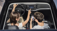 """Seat Alhambra je nově vybaven dotykovou obrazovkou s rozměry 6,3""""."""