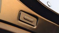 Renault Espace tlačítko na zavírání zavazadlového prostoru
