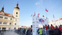Pohled do nabité startovní listiny Rally Bohemia - anotační foto